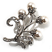 Snow White Pearl Style Floral Brooch (Silver Tone)