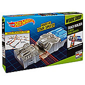 Hot Wheels Track Builder 2-Speed Power Booster
