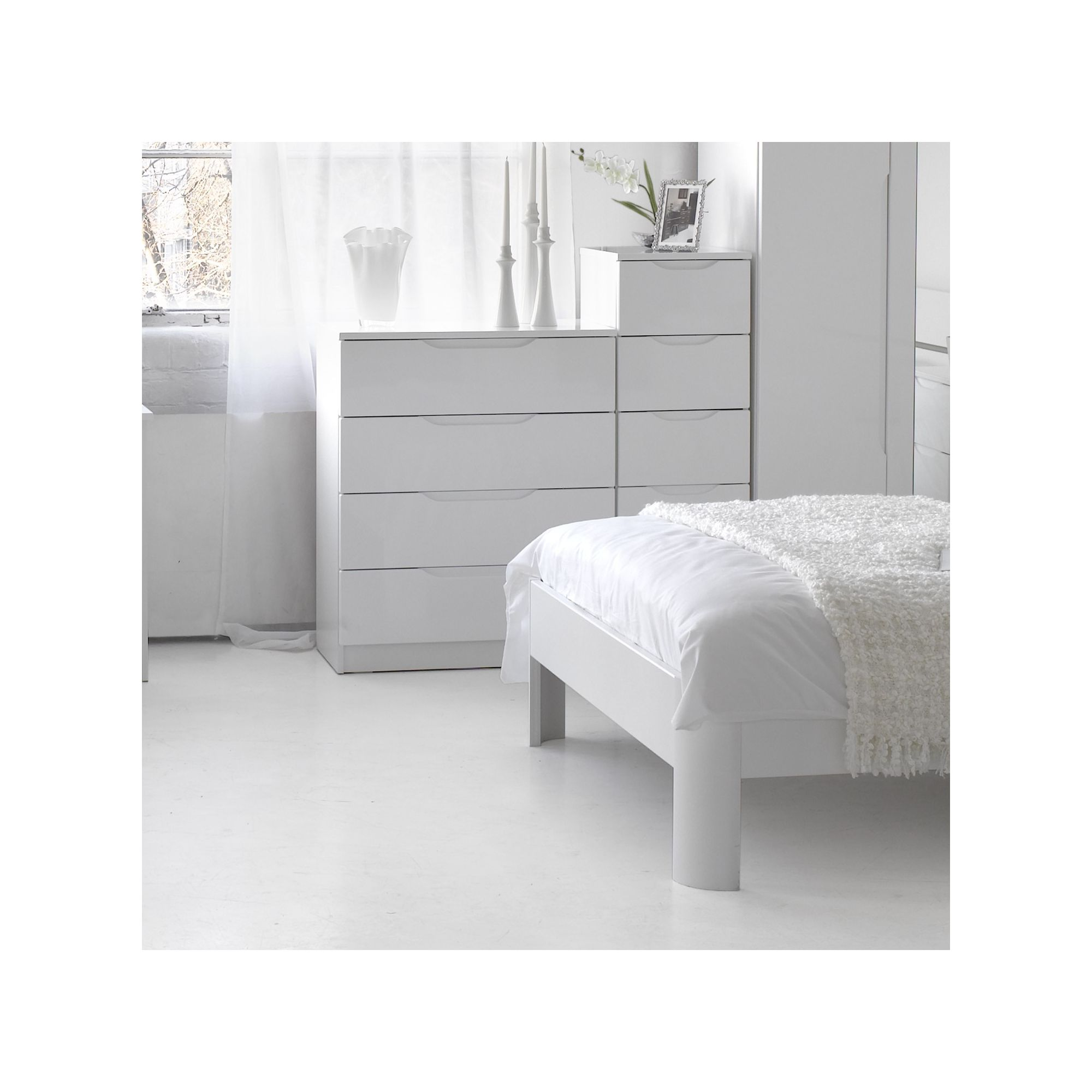 Alto Furniture Visualise Alpine Four Drawer Chest - White at Tesco Direct