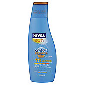 Nivea Sun Protect And Bronze Lotion SPF20 200ml
