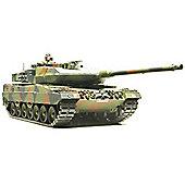 Leopard 2 A6 Main Battle Tank - 1:35 Scale Military - Tamiya