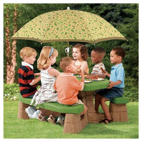 Step2 Picnic Table With Umbrella Multi