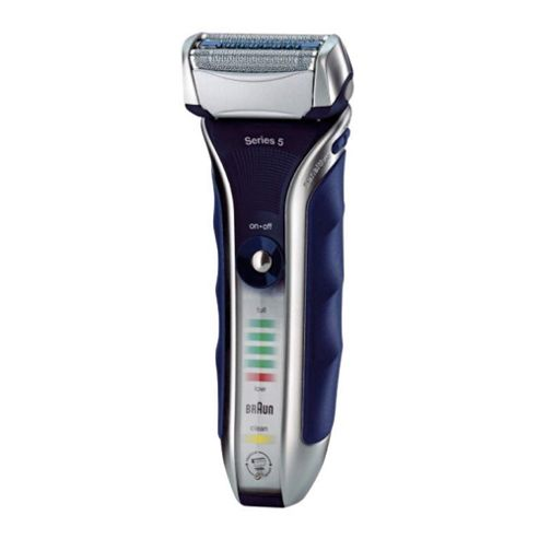 Braun Series 5 590cc-4 Electric Shaver with cleaning centre