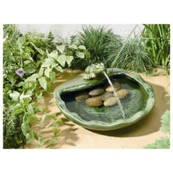 Smart Solar Solar Frog Fountain in Glazed Green Ceramic