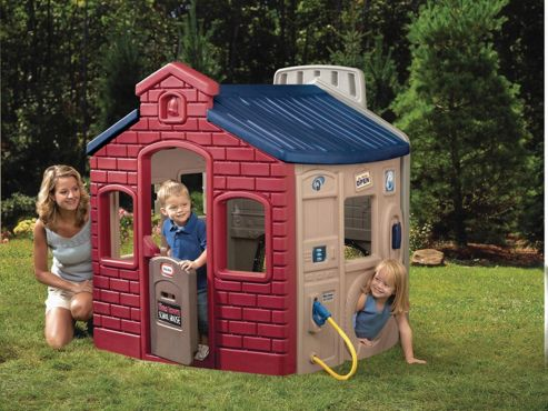 Little Tikes Town Playhouse, Earth