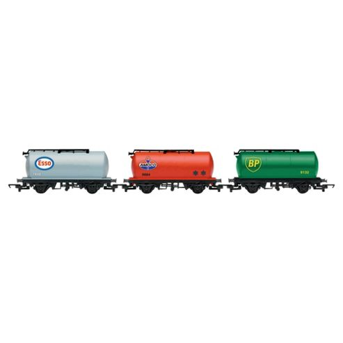 Hornby R6481 Railroad 3 Pack 00 Gauge Tanker Wagon Rolling Stock