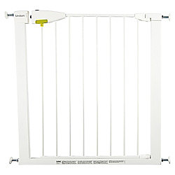 Lindam Sure Shut Securus Safety Stair Gate - Exclusive To Tesco