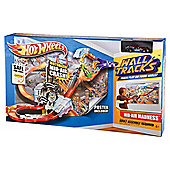 Hot Wheels Wall Tracks Mid-Air Madness Trackset