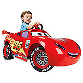 Famosa Cars 2 Lightning McQueen 6V Ride-On Car