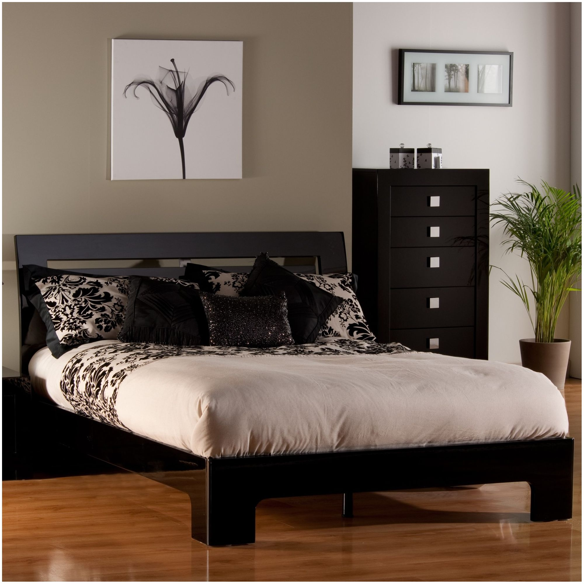 World Furniture Modena Bed Frame - Kingsize at Tesco Direct