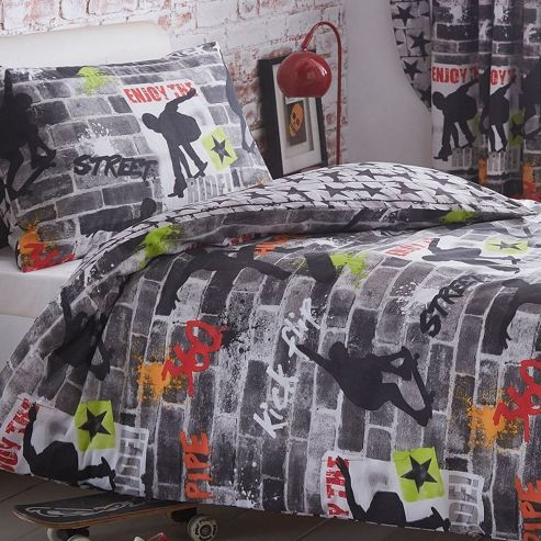 Buy Tricks Skateboard And Graffiti King Size Bedding From