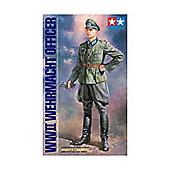 1:16 Scale WWII Wehrmacht Officer 36315 - Tamiya
