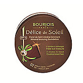 Bourjois Delice de Soleil Mineral Bronzing Foundation (02 Fair / Medium) 5g