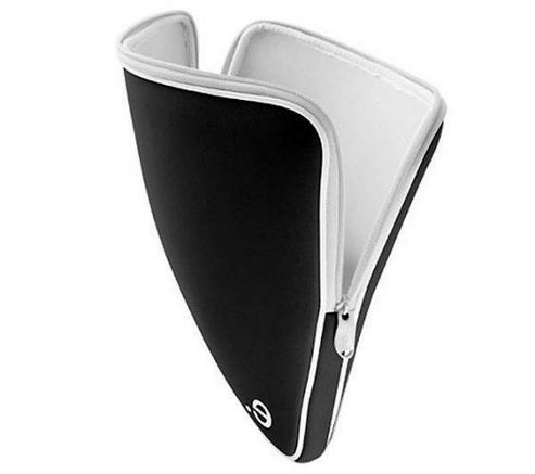 Be-ez LA robe Classic Sleeve for MacBook Pro 15.4 inch - Black/White