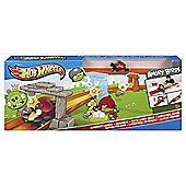 Hot Wheels Angry Birds Sling shot launch