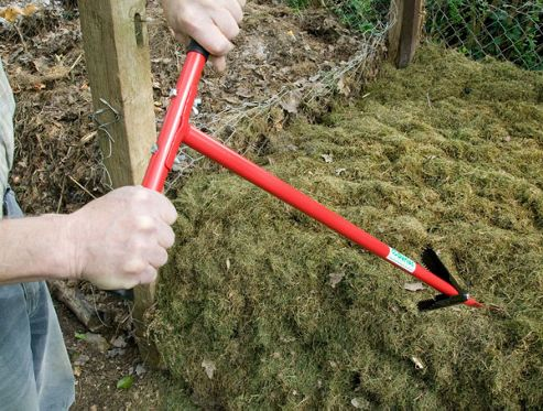 Two handed compost stirrer / compost aerator