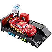 Disney Pixar Cars 2 Pit Stop Launcher Lightning McQueen