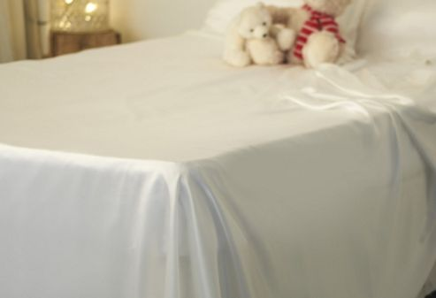 Silky Living Flat Sheet in White - Double