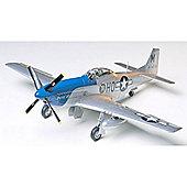 North American P-51D Mustang 8th AF - 1:48 Aircraft - Tamiya