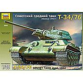T-34/76 Soviet Tank - 1:35 Scale - Model Kit - 3535 - Zvezda