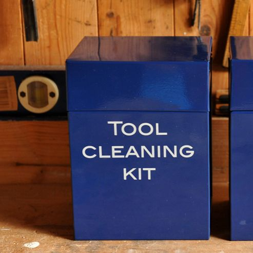 Tool cleaning box