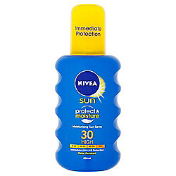 NIVEA SUN Protect & Moisture Moisturising Sun Spray 30 High 200ml