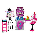 Monster High School Accessory Playset - Art Class Studio - Dolls and Playsets