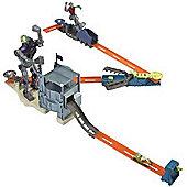 Hot Wheels Trick Tracks Bionic Battle