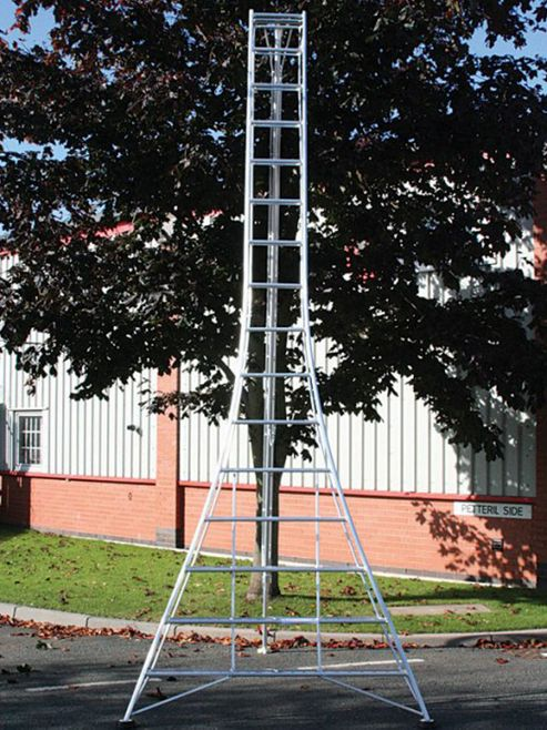 Ladders-Online Trade 4.8m (15.7ft) Standard - Garden Hedge Cutting Tripod Ladder