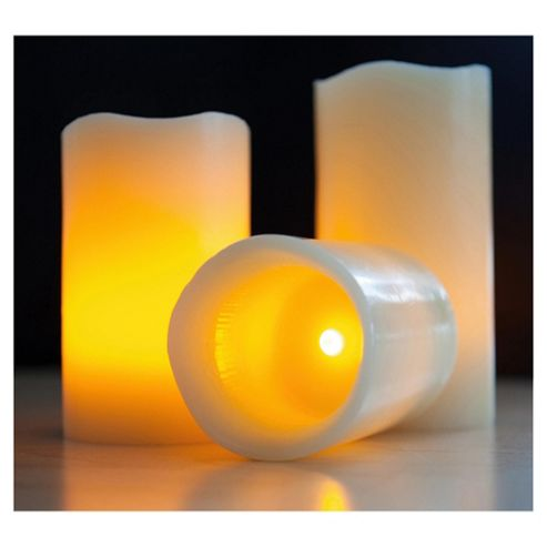 Frostfire 3 Wax Candles With Vanilla Scent And Remote Control And Timer 6005