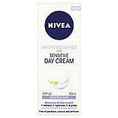 Nivea Daily Essentials Sensitive Day Cream SPF 15 50ml