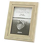 """Kenro Emelia Distressed White Photo Frame to hold a 6x4"""" photo."""