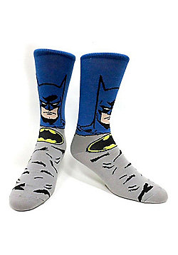 Dc Comics Batman Crew Socks With Menacing Dark Knight Figure, 39/42, Blue/grey (cr023dbtm-39) - Accessories