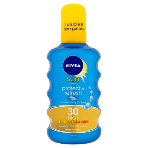NIVEA SUN® Protect & Refresh Invisible Cooling Sun Spray 30 High 200ml