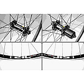 Momentum Fast Tour 700c Wheel: Set.