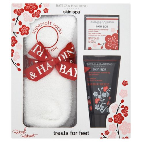 Baylis & Harding Skin Spa Cherry Blossom, Oriental Lilly & Lotus Flower Foot Gift Set