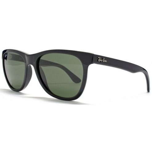 Ray Ban Sunglasses Wayfarer in Black.