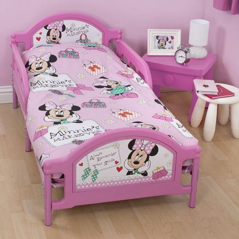 Character World Disney Minnie Mouse Makeover Junior Rotary 4 Piece Bedding Bundle Set