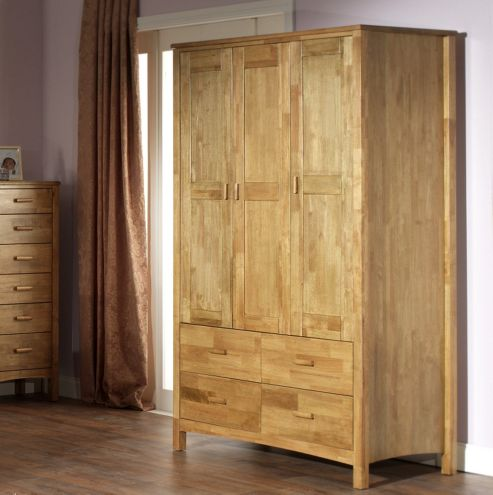 Serene Furnishings Eleanor 3 Door Wardrobe - Honey Oak