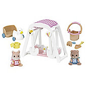Sylvanian Families - Families - Peaches and Freddy's Swing and Play