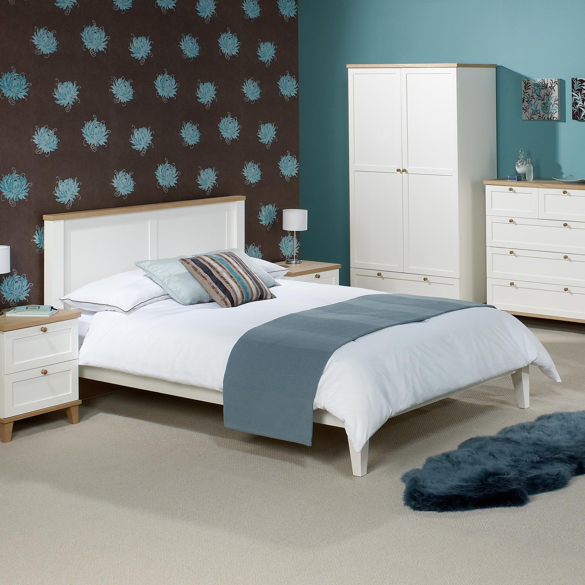 Home Zone Chicago Bed Frame - Kingsize at Tesco Direct
