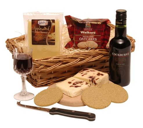 quarter port & cheese hamper (PC11)