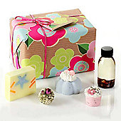Mrs Miracles Gift Set By Bomb Cosmetics