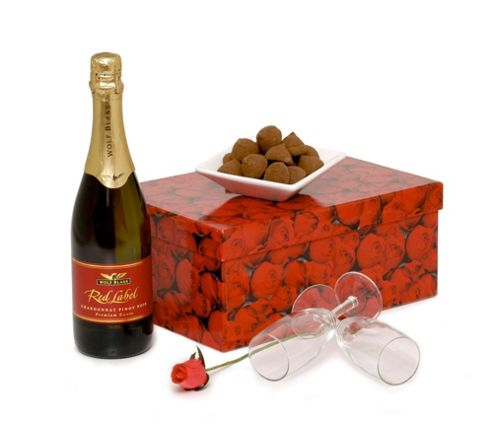 Valentines Day Bubbly & Flutes