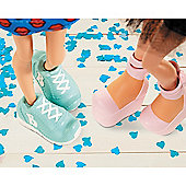 Bratz #ShoefieSnaps Accessories Pack - Blue Sneakers and Pink Platform Shoes