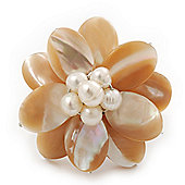 Light Light Cream Mother of Pearl/Freshwater Bead 'Flower' Ring In Silver Plating - Adjustable (Size 8/9) - 3.5cm Diameter