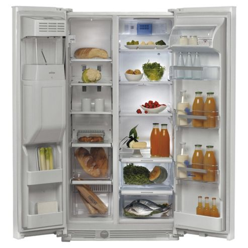 Whirlpool WSN5583AW Fridge Freezer.