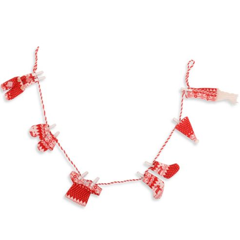 Pegged Red & White Knitted Washing Line Christmas Garland