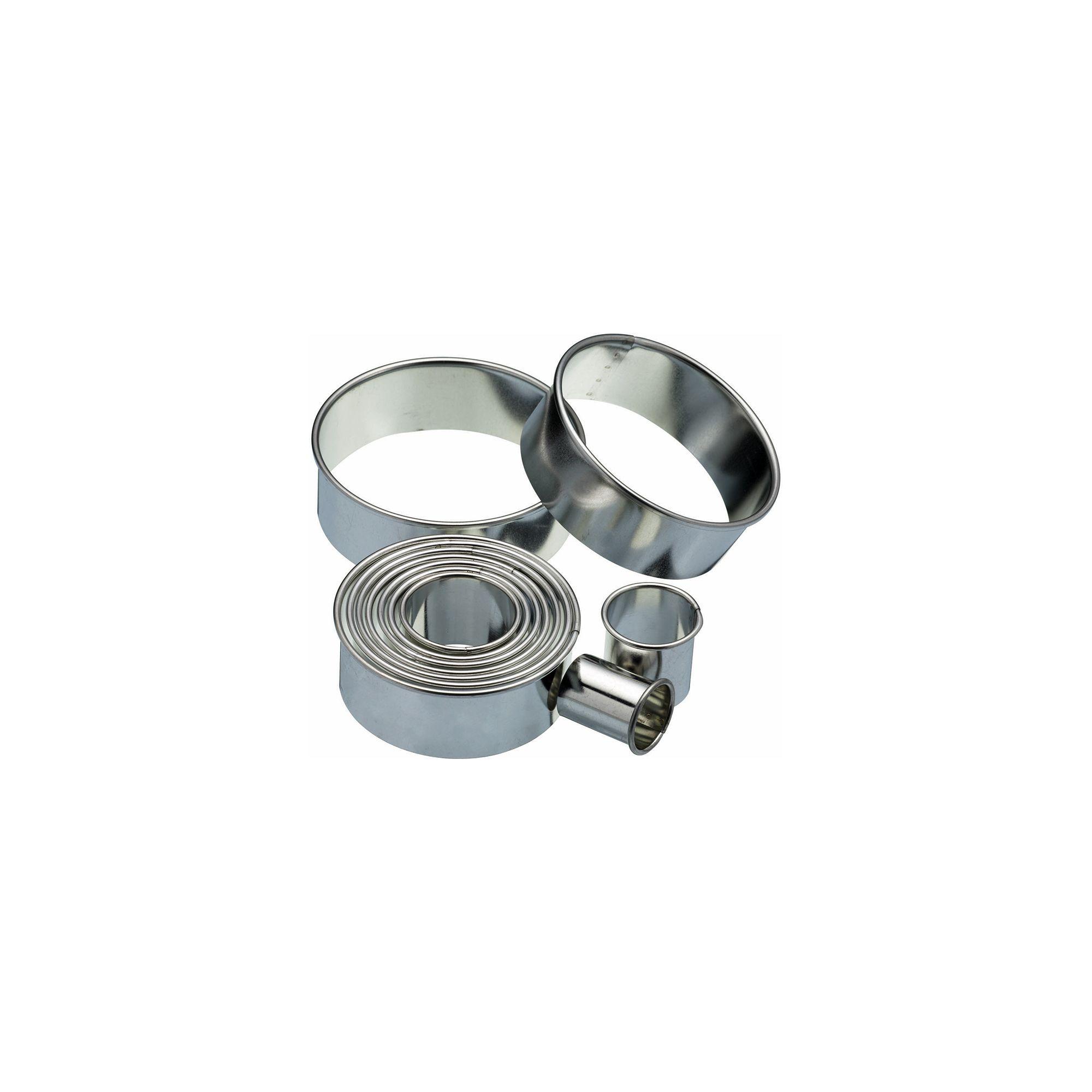 Kitchen Craft Eleven Round Plain Pastry Cutters With Metal Storage Tin