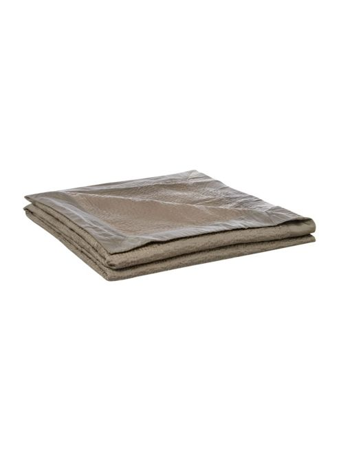 Casa Couture Waterway Stone Bedspread In Stone